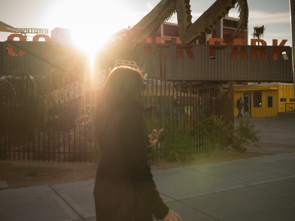 Praying-mantis at the Container Park - Downtown Las Vegas (Walking)